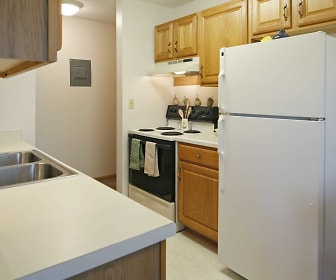 Eastview Apartments, Nelle Shean Elementary School, Eveleth, MN