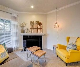 Living Room, Huntington Lakes