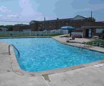 Pool, Quakertown West