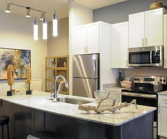Kitchen, Cortland at Phipps Plaza