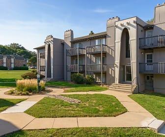 Camelot Village Apartments, 68134, NE