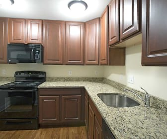 Kitchen, Summit Ridge Apartments