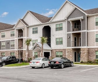 Lakeland Grand Apartments, Lakeland, FL