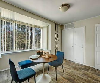 Dining Room, Peppertree Farm & Cinnamon Run at Peppertree Farm Apartments