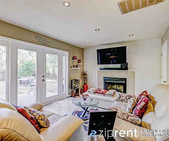 798 Valley Green Dr, Brentwood, CA