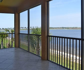 10614 Smokehouse Bay Dr, Island Walk, Naples, FL