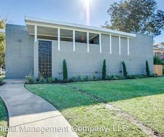 811 Skillman, North Beacon Street, Dallas, TX