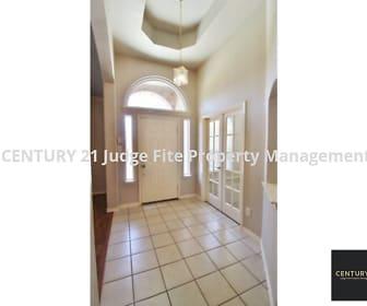 Foyer, 513 Edgeview Drive