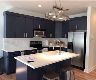 Kitchen, 760 Wedgewood Park