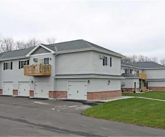 Building, Maple Ridge Estates