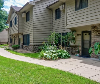 Woodcrest Townhomes, Chaska, MN