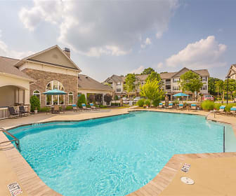 Make a splash this summer at Hawthorne at the Meadows, Hawthorne at the Meadows
