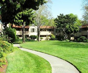 Building, Glen Oaks Apartments