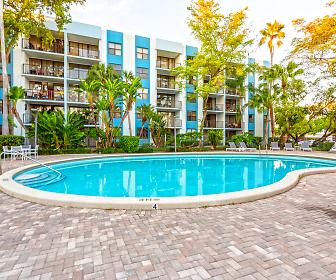 Biscayne Apartments, Pinewood, FL