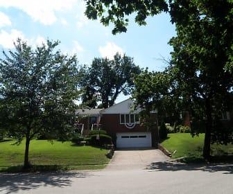126 Morrison Dr, Pennsbury Village, PA