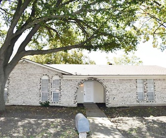 900 Warrington Ct, Sam Houston High School, Arlington, TX