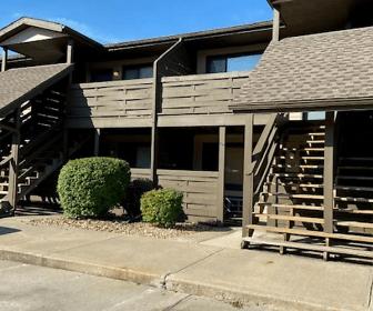 Pinewood Studio Apartments, Claycomo, MO