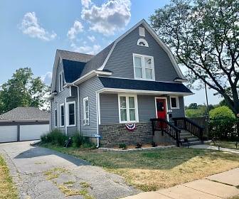 265 Slade Ave, Woodbridge, Elgin, IL