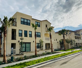 Parklands Apartments, Oxnard, CA