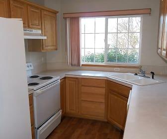 Kitchen, 900 Arbor Ave. #25
