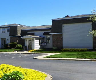 Clubhouse, Stratford Apartments