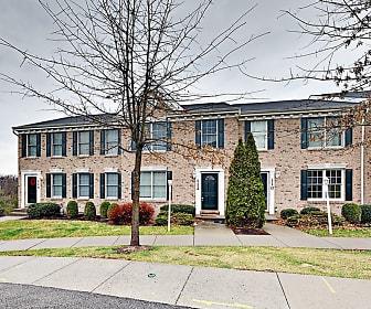 112 Castle View Dr, Coraopolis, PA