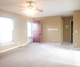 1005 Viola St, Smithville, MO