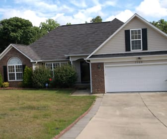 7728 Redwood Ave., Laurinburg, NC