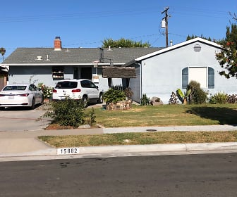 15882 Hummingbird Ln, Huntington Beach, CA
