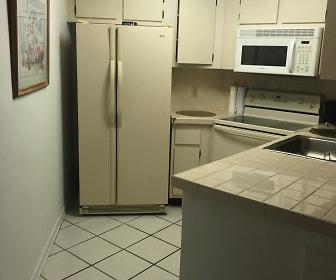 kitchen vcc.jpg, 3945 atrium dr