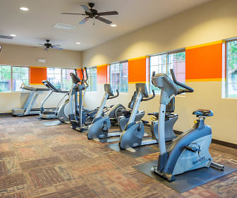 Fitness Weight Room, Pembrooke on the Green