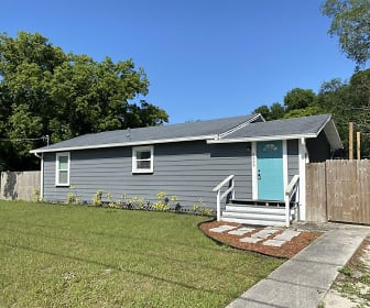 5009 N 36th St, Live Oaks Square, Tampa, FL