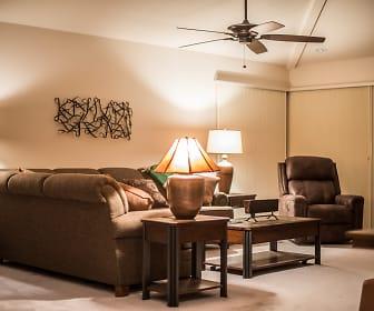 Living Room, 437 Tanglewood Trail