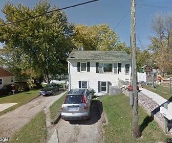 719 Cedar Ave, Thompson, IA