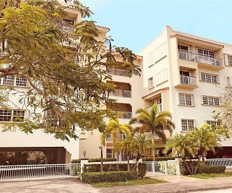 37 Majorca Ave Apt 402, Dade North, FL