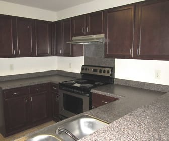 Deerbrooke Apartments, Saint Joseph, TN