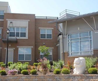 Building, Tremont Pointe