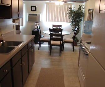 Kitchen, White Oaks West Apartments