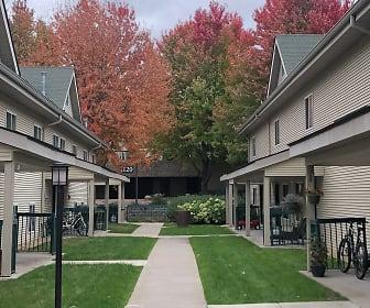 Promenade Oaks, Eagan, MN