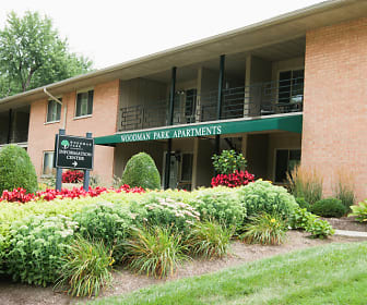 Leasing office at Woodman Park Apartments in Dayton, OH, Woodman Park