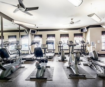 Fitness Weight Room, 21 Apartments