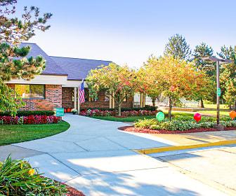 Oakland Hills Townhomes, Pontiac, MI