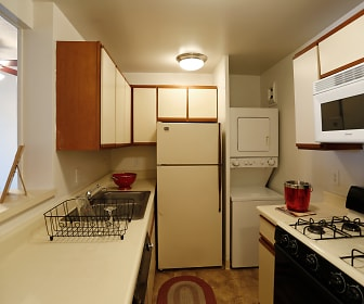 Iris Apartments, Medical District, Memphis, TN