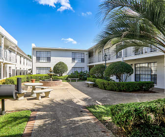 Chateaux Dijon Apartments, Westminster, LA