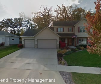918 Southern Woods Pl SW, Hayfield, MN