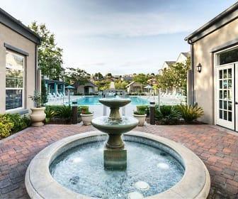Parc Chateaux, Santa Clarita, CA