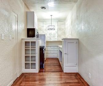El Castillo Metro Apartments, 95112, CA