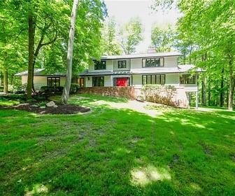 5645 Ledgebrook Lane, Twinsburg, OH