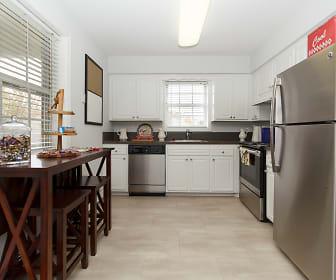 Kitchen, Southpoint at Massapequa