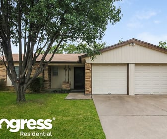 517 Parkview Dr, Burleson, TX